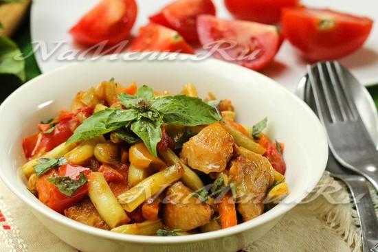 рецепт куриного филе с овощами на сковороде