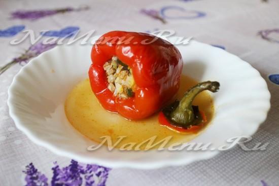 Перец фаршированный грибами и овощами