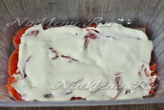 Промазать сыром