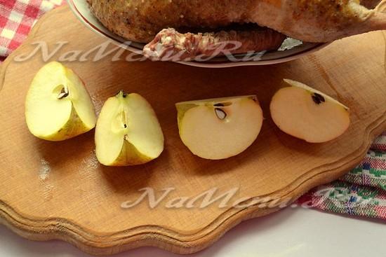 нафаршировать утку яблоками