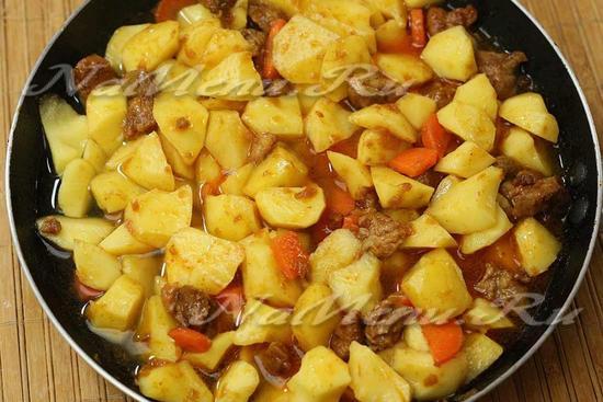 Тушеная картошка со свининой пошаговый рецепт с фото