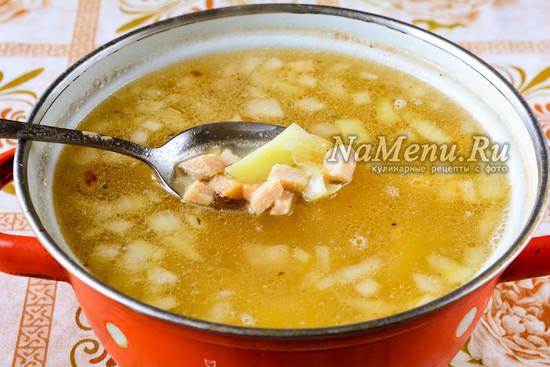 Добавить ветчину в суп
