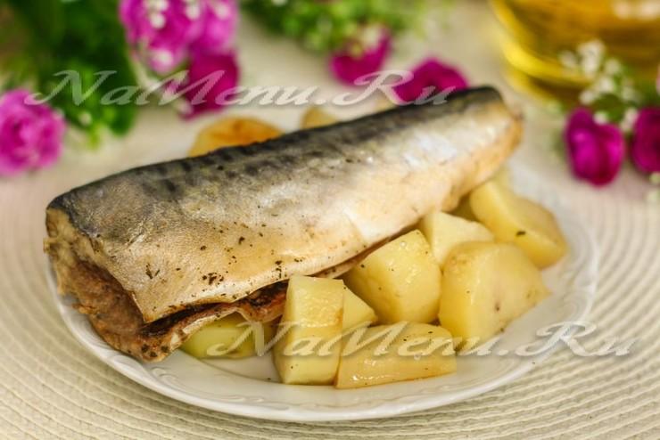 Рыба, запеченная в фольге, с картошкой
