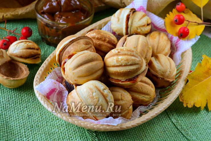 Как сделать орешки со сгущенкой в орешнице рецепт с фото