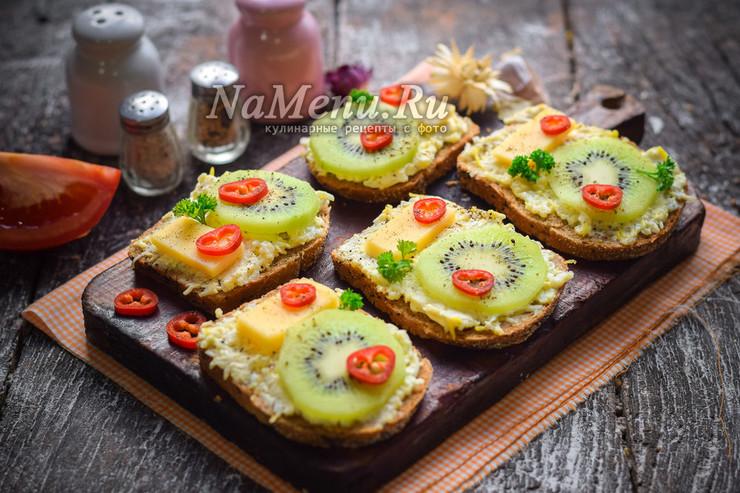 Необычные бутерброды с киви