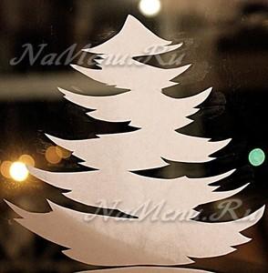 Вытынанки в виде елок на окно