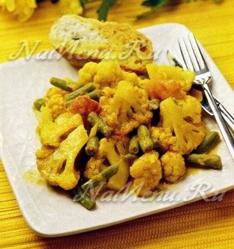 овощное рагу с цветной капустой и фасолью стручковой