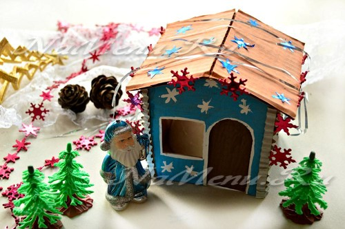 Новогодний домик для Деда Мороза