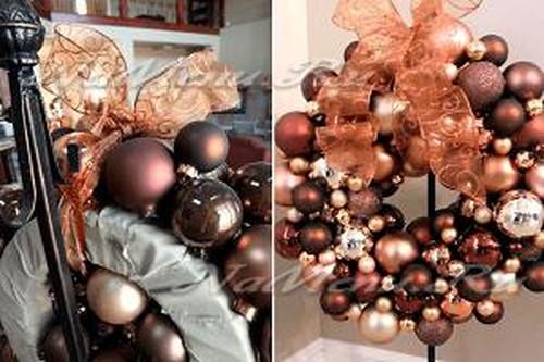 Венок из новогодних шариков