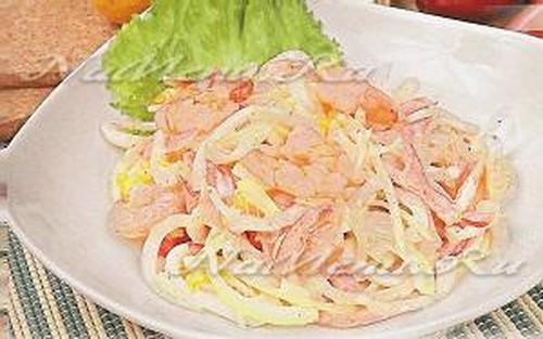 Кальмары и креветки в салате