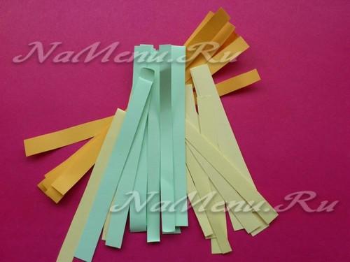 разрезать цветную бумагу