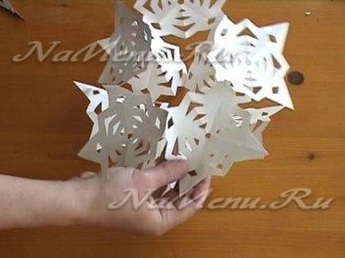 как делать объемные снежинки своими руками