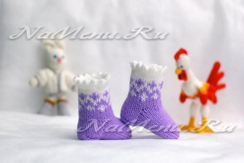 Носочки для новорожденных спицами, описание схемы вязания