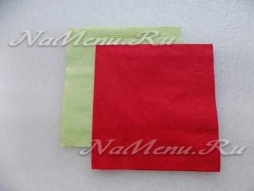 Для работы потребуются зеленая и красная салфетки