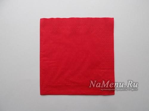 красная салфетка