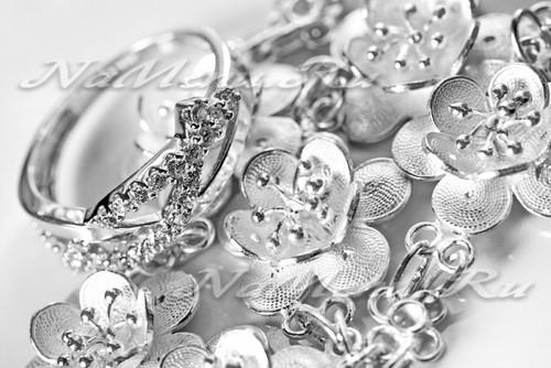 Чем почистить серебро в домашних условиях от черноты
