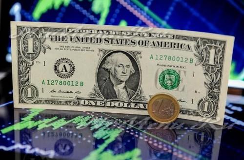 Что будет с долларом в 2017 году: мнение экспертов 1 час назад