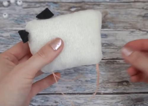 Символ года 2021 своими руками из ткани: с выкройками, пошагово, интересные, в стиле тильда, из ткани и фетра, сувенир, елочная игрушка