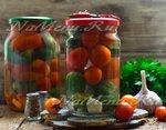 Ассорти изо помидорина равным образом огурцов для зиму