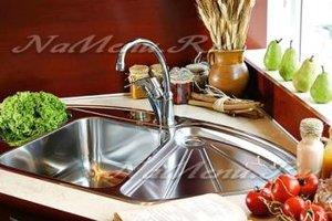 Как почистить раковину на кухне от налета и жира содой
