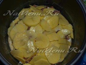 выкладывваем картофель
