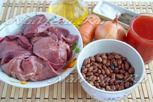 Ингредиенты для фасоли с печенью