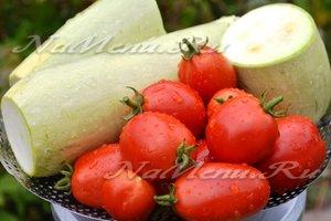 Кабачки и помидоры помыть