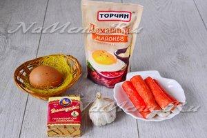 Ингредиенты для приготовления рулета из крабовых палочек