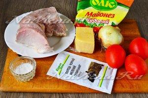 Ингредиенты для приготовления свинины по-французски с помидорами