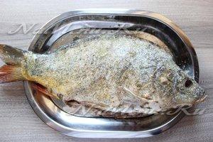 Замариновать рыбу в специях