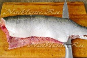 филировать рыбу