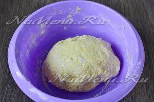 вымешиваем мягкое нежное тесто