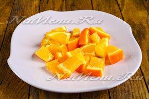 Нарезаем апельсин с кожурой