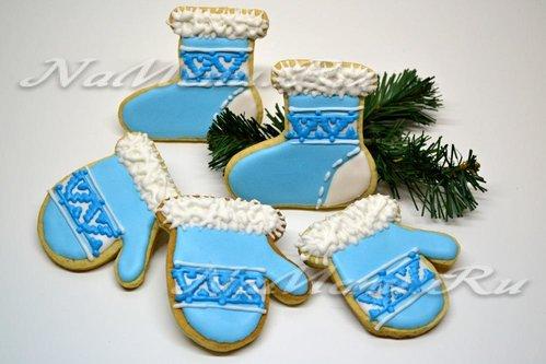 Новогоднее печенье «Сапожки и варежки»