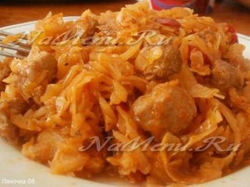 Картошка, тушеная с мясом и капустой