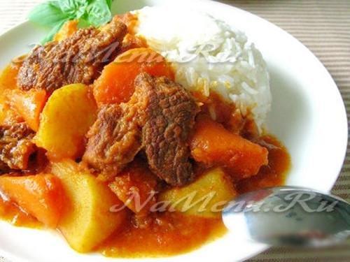 Картошка, тушеная с мясом и имбирем