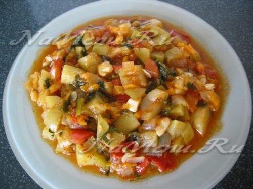 Диетическое овощное рагу с кабачками рецепт