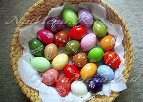 Как покрасить яйца в домашних условиях
