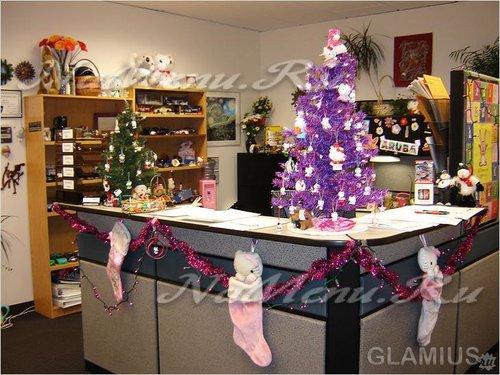 елка в офисе