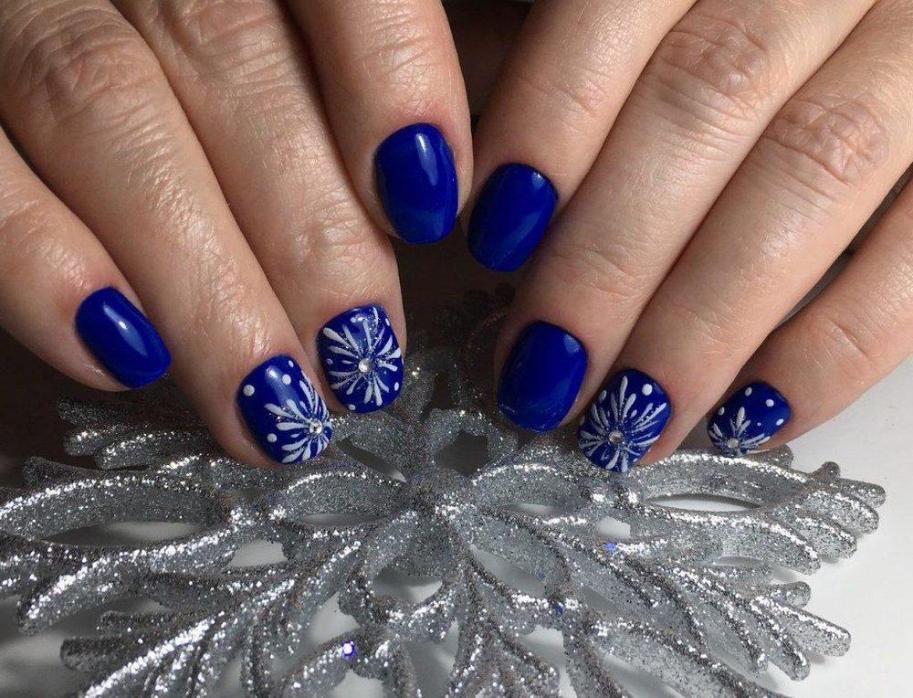 гелевое покрытие на свои ногти фото новогодние показывает