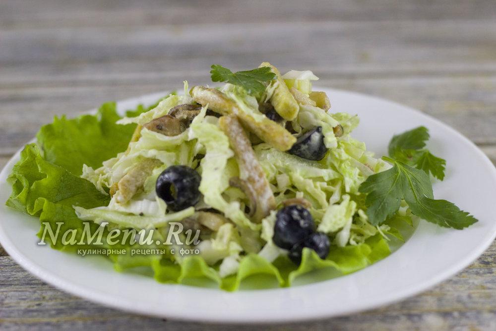 Что кладут в салат из морепродуктов