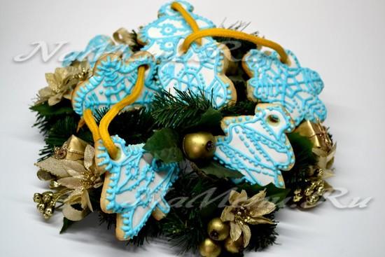 Новогоднее печенье с глазурью «Снежинки и ёлочки»