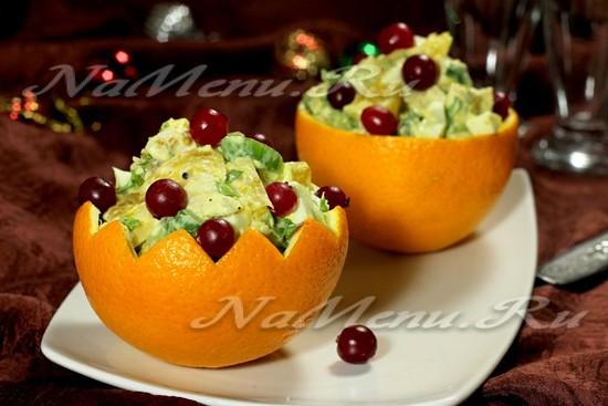 Новогодний салат с курицей и апельсином