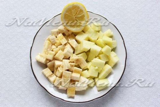 Нарезать яблоко и банан