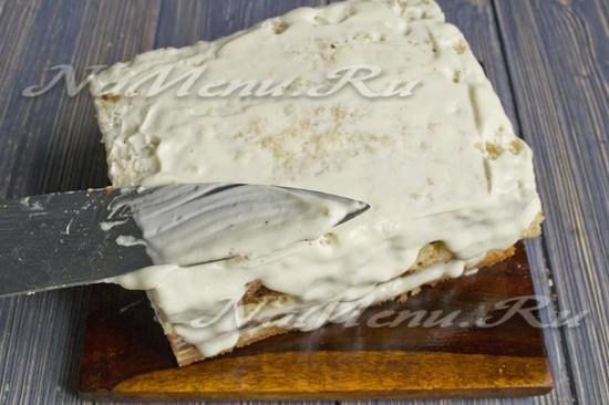 Промазать торт