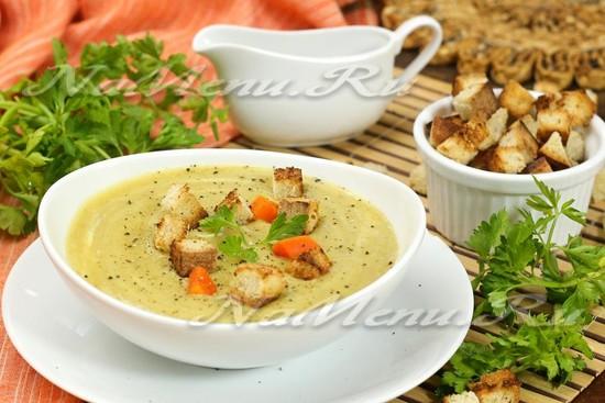 суп-пюре из брокколи и цветной капусты со сливками
