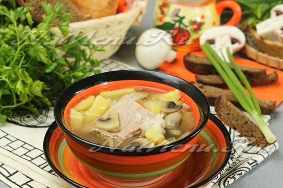 мясной суп с ребрышками и грибами