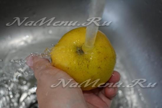 вымываем яблоки