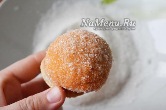 обваливаю в сахаре
