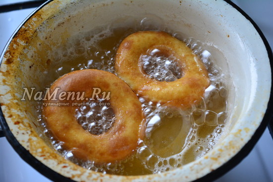 обжарьте пончики